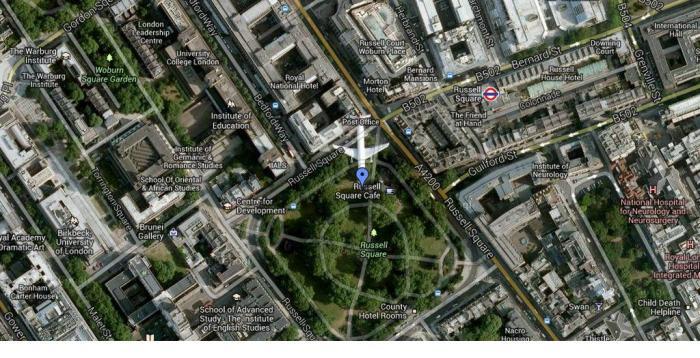 Aiplane Over London